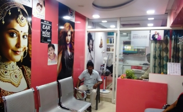 Kukatpally: Get 56% Discount on Haircut, Hair-wash with Conditioning, Waxing, Pedicure, Manicure & Many more For Men & Women
