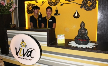 Banjara Hills: Get 58% OFF on Full Body Aroma Freshening Massage at Viva Spa.